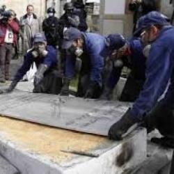 Exhumación de Carlos Pizarro Leongómez